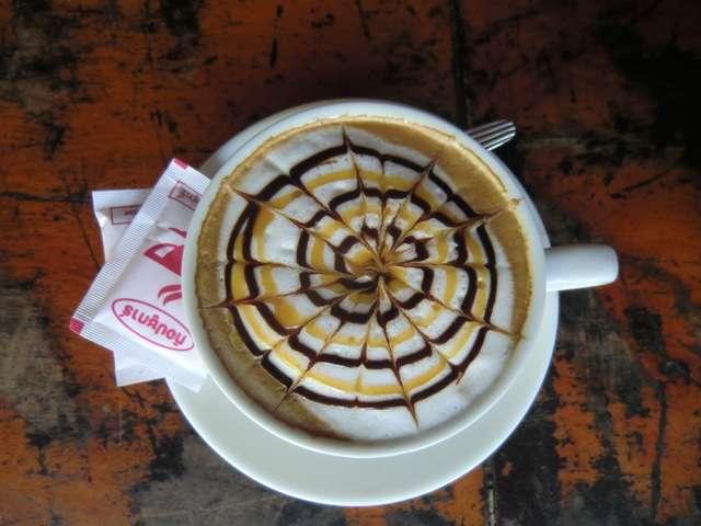 lecker Cappuccino aber nur für die Dame sooooo schön.....
