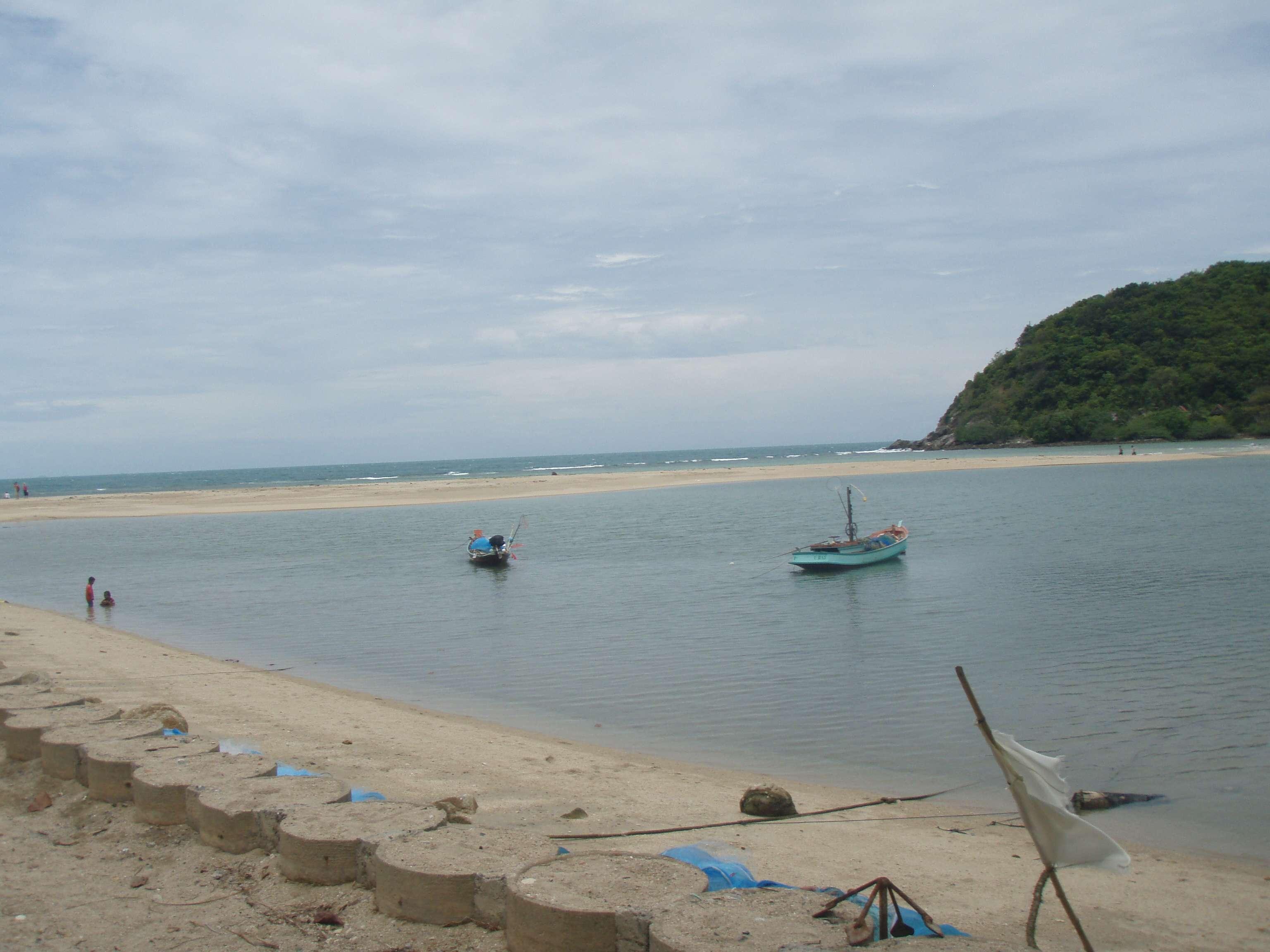 der Übergang zur Insel Koh Ma bei Ebbe