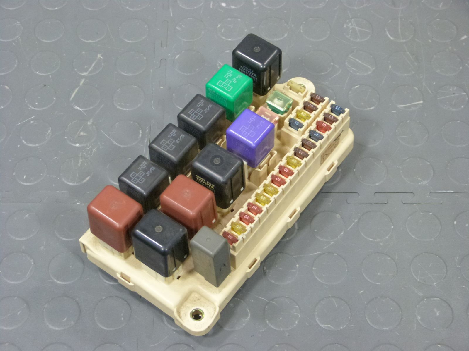 Lexus Ls400 Fuse Boxes Free Wiring Diagram For You 97 Box 95 Underhood Assembly Relays Fuses 1997 Location 1998